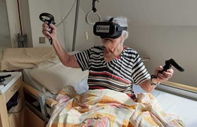 Immobile client homes for seniors on virtual flights to the sea-2119